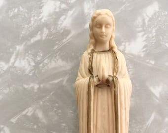 Praying Angel Statue   Vintage Plastic Virgin Mary Goddess Figurine