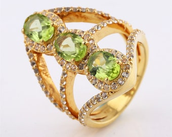 10% off Sophisticated Sterling Silver Ring Set With Peridot . White Topaz
