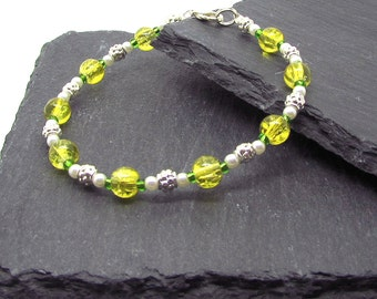 Yellow bead & Faux pearl bracelet