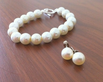 5 Bracelet and Stud Pearl Earrings Bridesmaid Sets