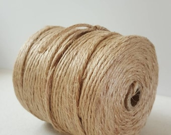 Roll of chunky jute string