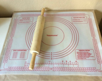 """Vintage Tupperware Pastry Sheet Baker's Mat Pie Crust Guide  Bread Kneading Pizza Dough Cookie Dough Mat 22""""x 18"""" Clear with Red Print 1977"""