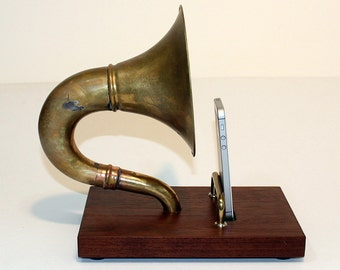 The Horn-A-Phone  iHorn - Brass  Acoustic  Speaker Dock - Acoustic Speaker Docking Station  ,CHERRY only- Handle Backrest