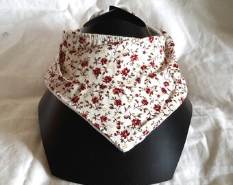 Bib-white bandana to maroon flowers