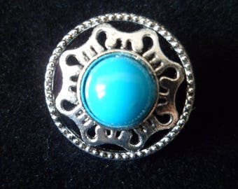 2 silver buttons and Turquoise 18 mm.