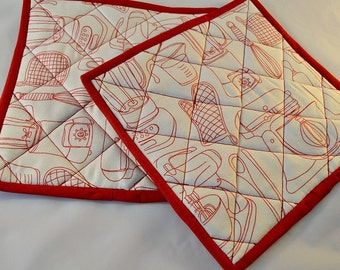 Pot Holders/Pair/Quilted/Mats/Red/Kitchen