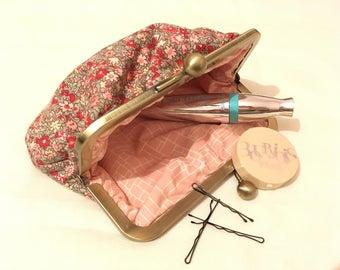 MakeUp Bag with Kiss Lock Frame
