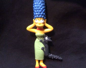 Marge Simpson with Snowball I PVC figure by Presents - 1990