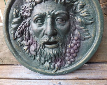 Cast iron garden face Wine grapes green man fountain head Woodland hanging wall gate fence mount