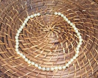 "Avon Faux Pearl Necklace - 18"""