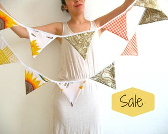 SALE SALE SALE!!! Oilcloth bunting the sunflower style!! 14 triangle shape flags perfect for decoration, party supply