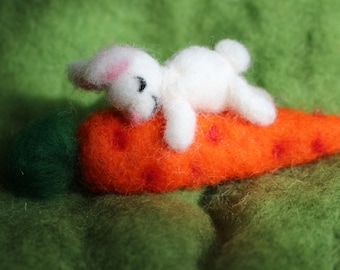 Needle Felted Bunny on Carrot, Easter Bunny, Easter Decoration, Waldorf Inspired, Carrot Love