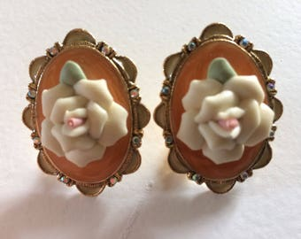 Beautiful Vintage Cameo Rose Clip On Earrings