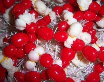 Vintage Blow Mold Plastic Christmas Popcorn Cranberry Berries Tree Garland