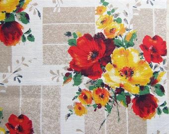 Vintage 70s Barkcloth FQ Fabric Bold Flowers Retro