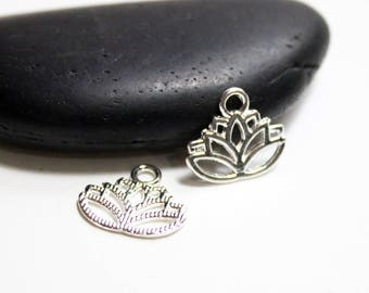 15x17mm - 10 PCs of Silver Lotus Flower