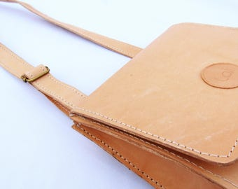Sustainable leather purse