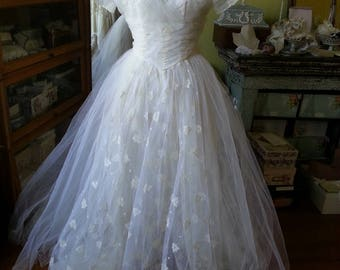 Classic 1950's vintage bridal wedding gown xs
