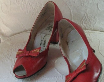 40s Red Peep Toe Heels with Bow............ sz 5 1/2  to  6