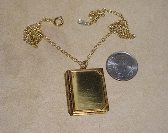 Vintage Brass Composite Two Picture Book Locket Pendant Necklace 1940's Jewelry 11017