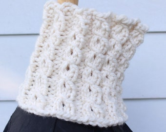 offwhite knit cowl, chunky knit scarf, unique knit scarf, chunky neckwarmer, cable knit cowl, white knit scarf, cream knit cowl