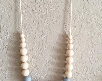 Silicone Teething Necklace, Nursing Necklace, Chew Beads, cream and maroon geometric