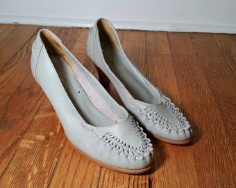 woven leather heels vintage grey heels vintage leather heels, 1970s pumps, womens 7