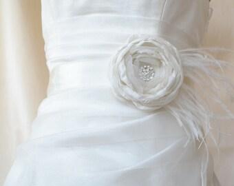 Ivory Wedding Sash Belt, Cream Floral belt, Ivory Wedding Belt, Ivory Sash Belt, Ivory Wedding Dress Sash, Ivory Flower Bridal Belt