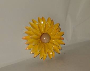 "Vintage Large 3"" Yellow Enamel Daisy Flower Brooch/Pin"