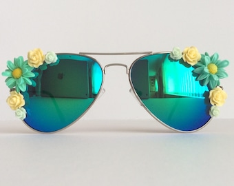 Summer Rain II - Reflective Embellished Sunglasses Mirrored Sunnies Shades Green Cream Flowers Floral