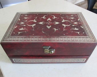 Vintage Mele Jewelry Box With Gold Design