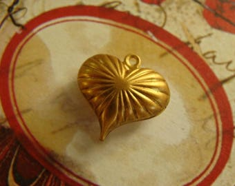 Vintage Dainty Heart Stamping Jewelry Supplies Heart Pendant