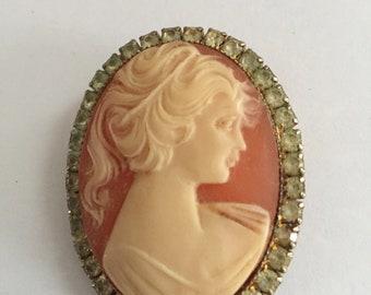 Vintage Cameo Brooch Pin