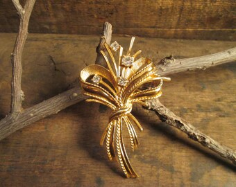 Vintage Gold Tone Clear Rhinestone Flower Bouquet Brooch