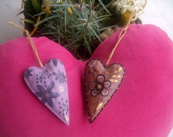 LOT * 2 beautifully hand painted metal hearts!