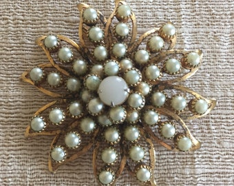 Judy Lee Faux Pearl Vintage Star Like Brooch, Estate Jewelry, Designed Signed