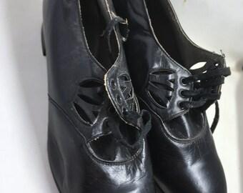 Vintage Black Leather Oxford Shoes Cut-outs 1940s