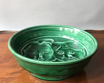 Pudding form Max und Moritz with unusual green glaze