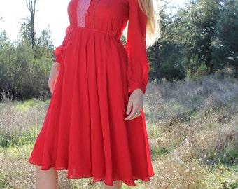 CINNIMON 70s Vintage Secretary Dress Colorful Floral Print Long Sleeved Midi Length