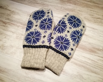 Accessory for the winter, knitted wool mittens, double, warm mittens, flower pattern, cornflower pattern