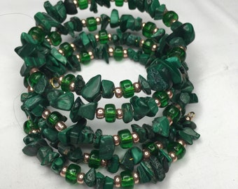 Malachite and green glass on memory wire