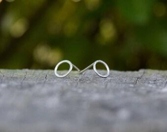 Handmade mini silver circle earrings, silver studs, silver earrings, geometric studs, circle studs, geometric earrings, contemporary