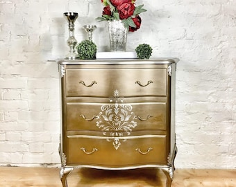 French Commode / chest of drawers in bronze metallic