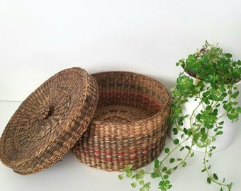 Vintage Round Whicker Basket With Lid