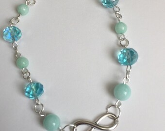 Bracelet with infinity symbol crystal and maylasian jade