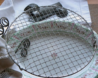 "Antique French Rare Larger Size 10 1/8"" Round Wire Ware Cooling Pastry Icing Rack Wrapped Crimped Wires No Rust or Baked on Blackened Grease"