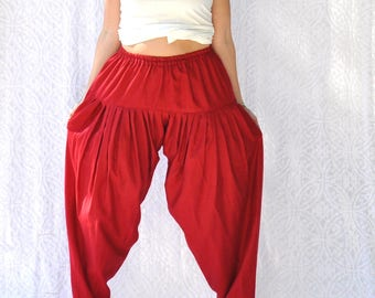 Red Harem Pants with Elastic Waist and Tapered Leg || Vintage Harem Pants. Christmas Red Trousers. High Waist Harem Pants. Yoke Waist Pants