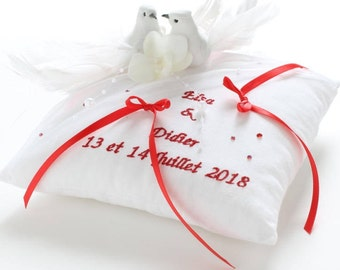 Custom wedding doves Saperlipopette design wedding ring cushion