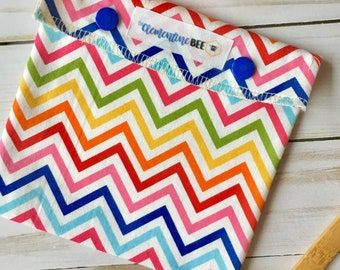 Reusable Snack Bag - lined with Organic Cotton - Plastic-free - Snap Top - Rainbow Chevron