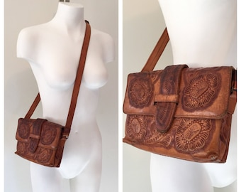 70s Leather Bag, Tooled Leather, Vintage Leather Purse, 1970s, Bohemian, Boho, Cross Body Leather Purse, Handbag, Brown Floral  Leathercraft